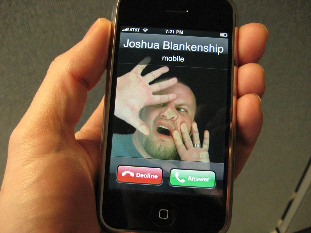 почему сенсорный телефон не принимает смс платья макси